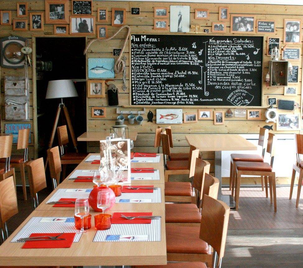 Restaurant A Tribord Port en Bessin